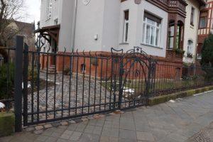 Gartenzaun und Tor