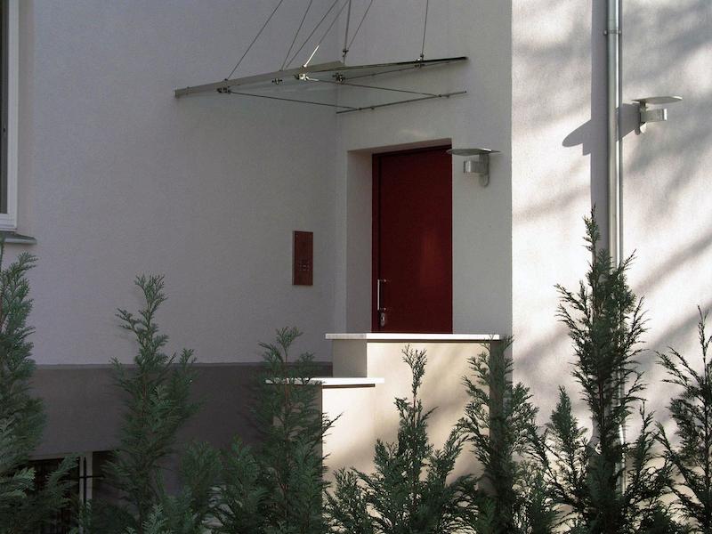 Wohnhaus für zwei Familien in Berlin Umbau – Eingang
