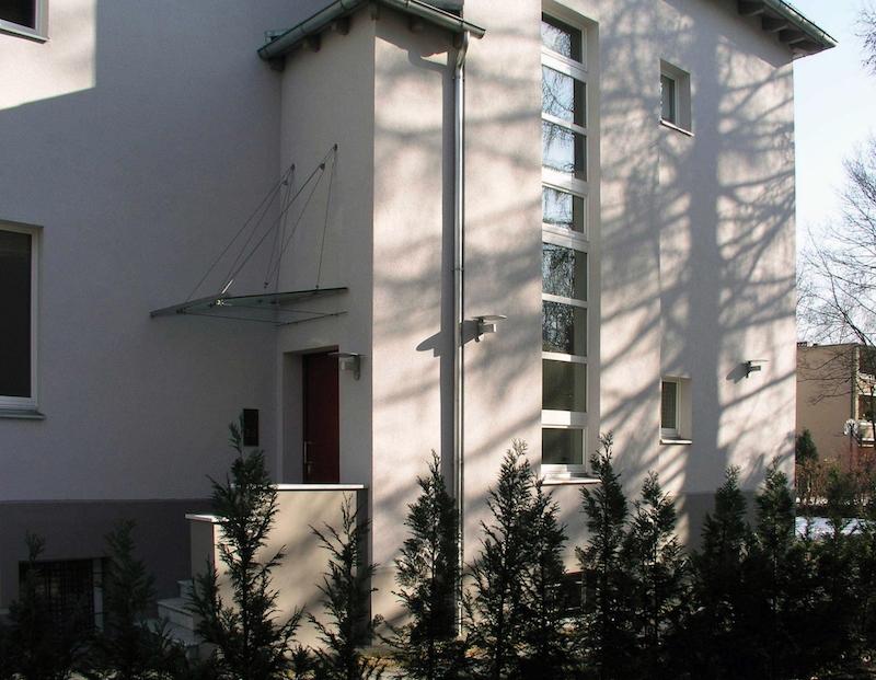 Wohnhaus für zwei Familien in Berlin Umbau – Ansicht Westen
