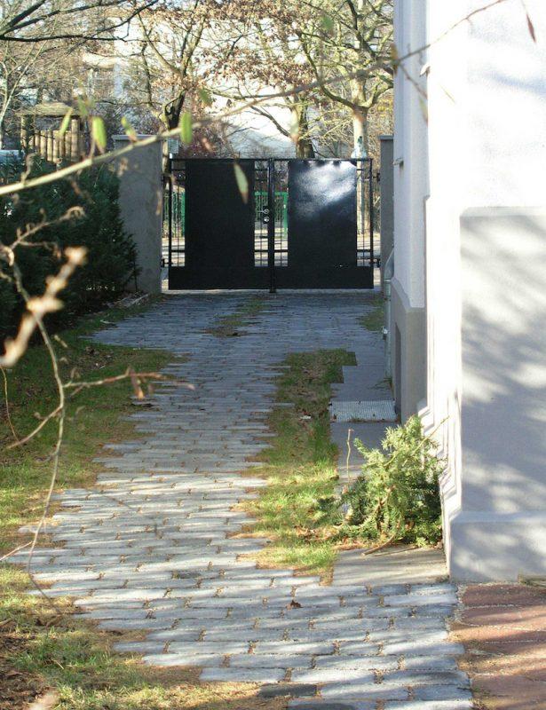 Wohnhaus für zwei Familien in Berlin Umbau – Zugang von Innen
