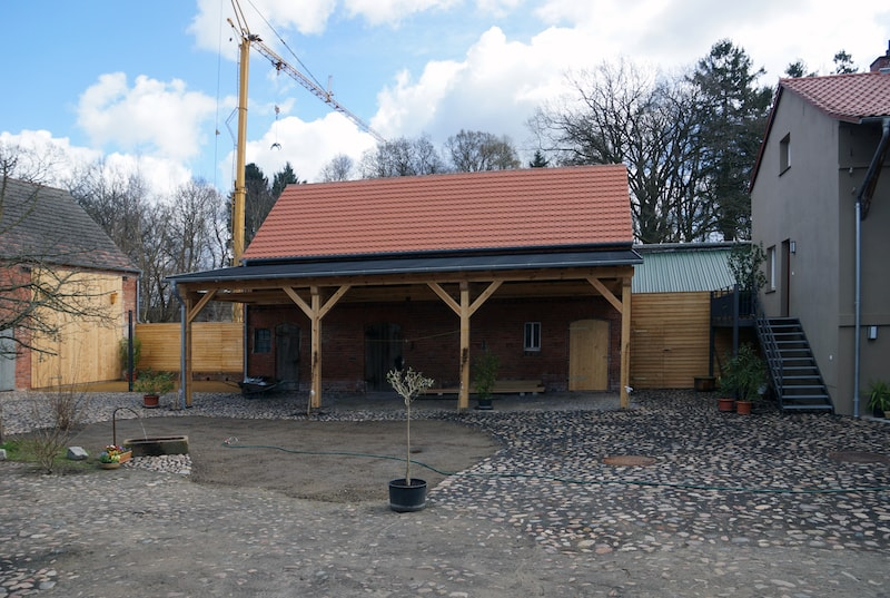 Vierseitenmühlenhof in Gräben / Brandenburg – Hofgestaltung