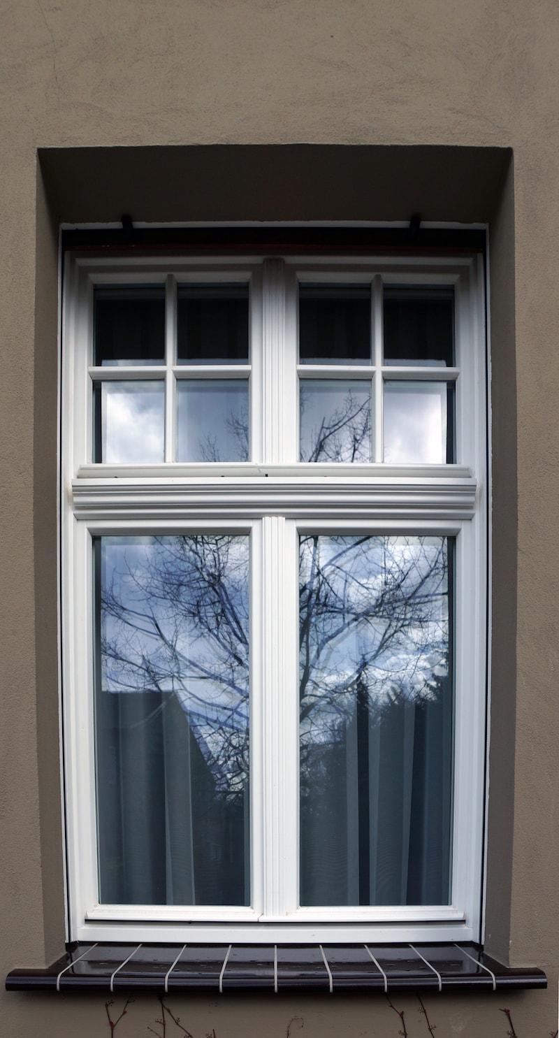 Vierseitenmühlenhof in Gräben / Brandenburg – Fensterdetail