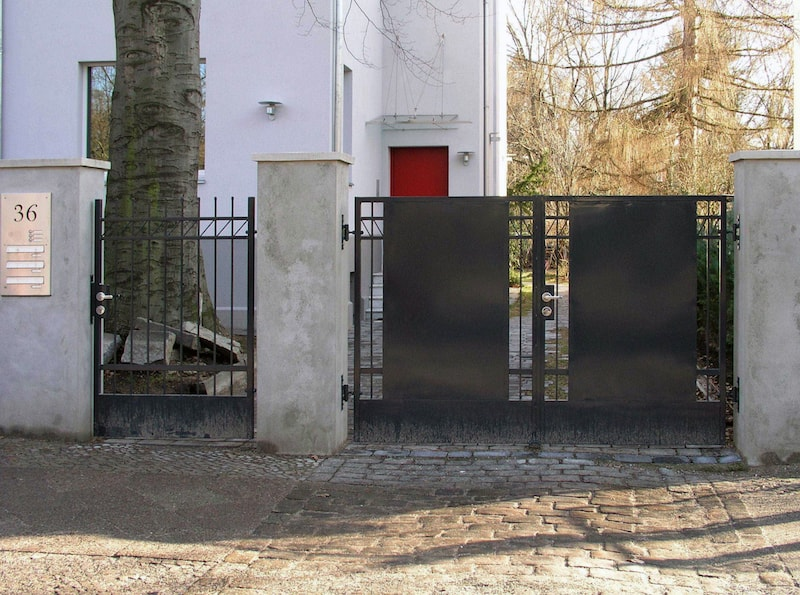 Wohnhaus für zwei Familien in Berlin Umbau – Gartenzaun und Tor